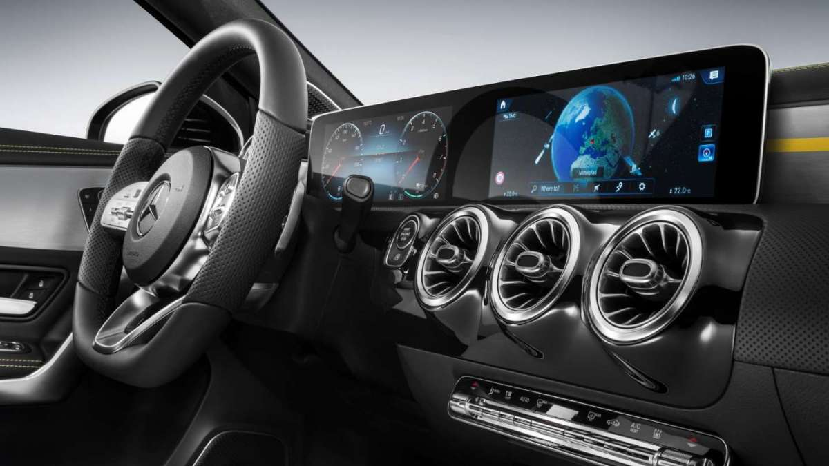 Nuova Mercedes Classe A 2018, infotainment
