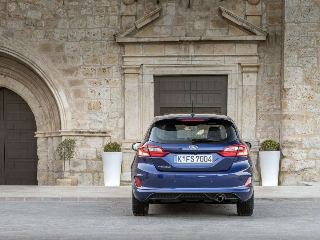 Ford Fiesta ST-Line posteriore