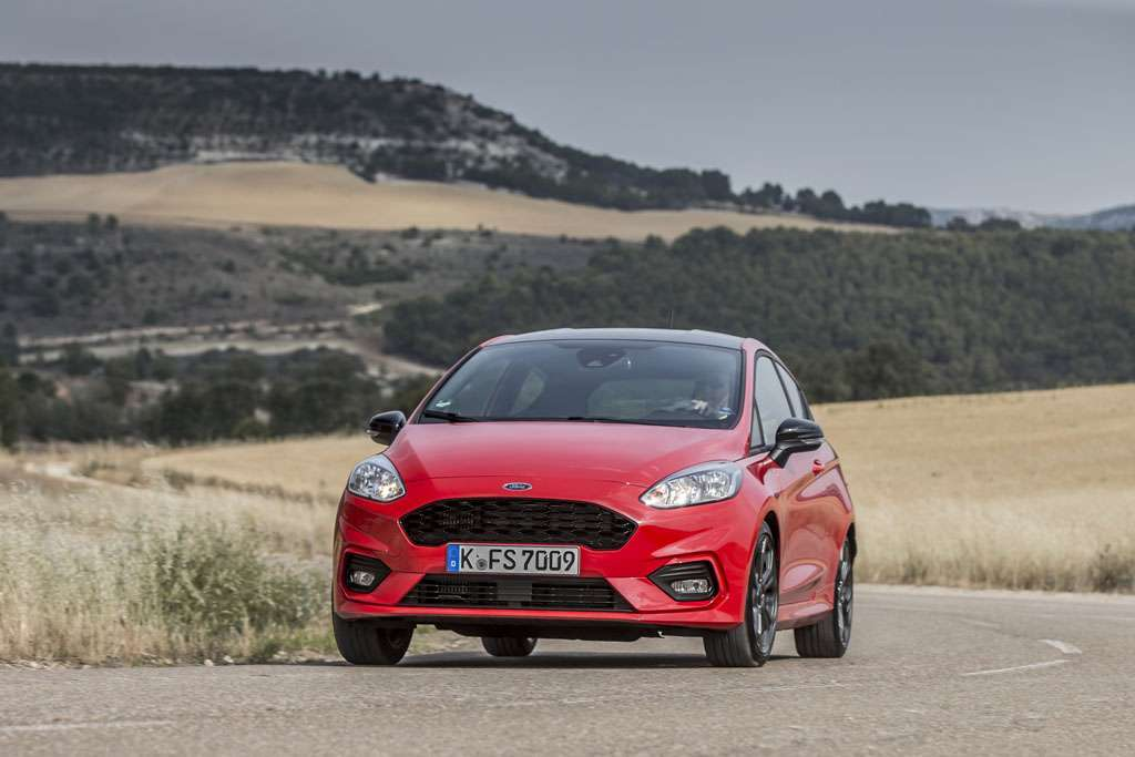 Ford Fiesta ST-Line colori race red
