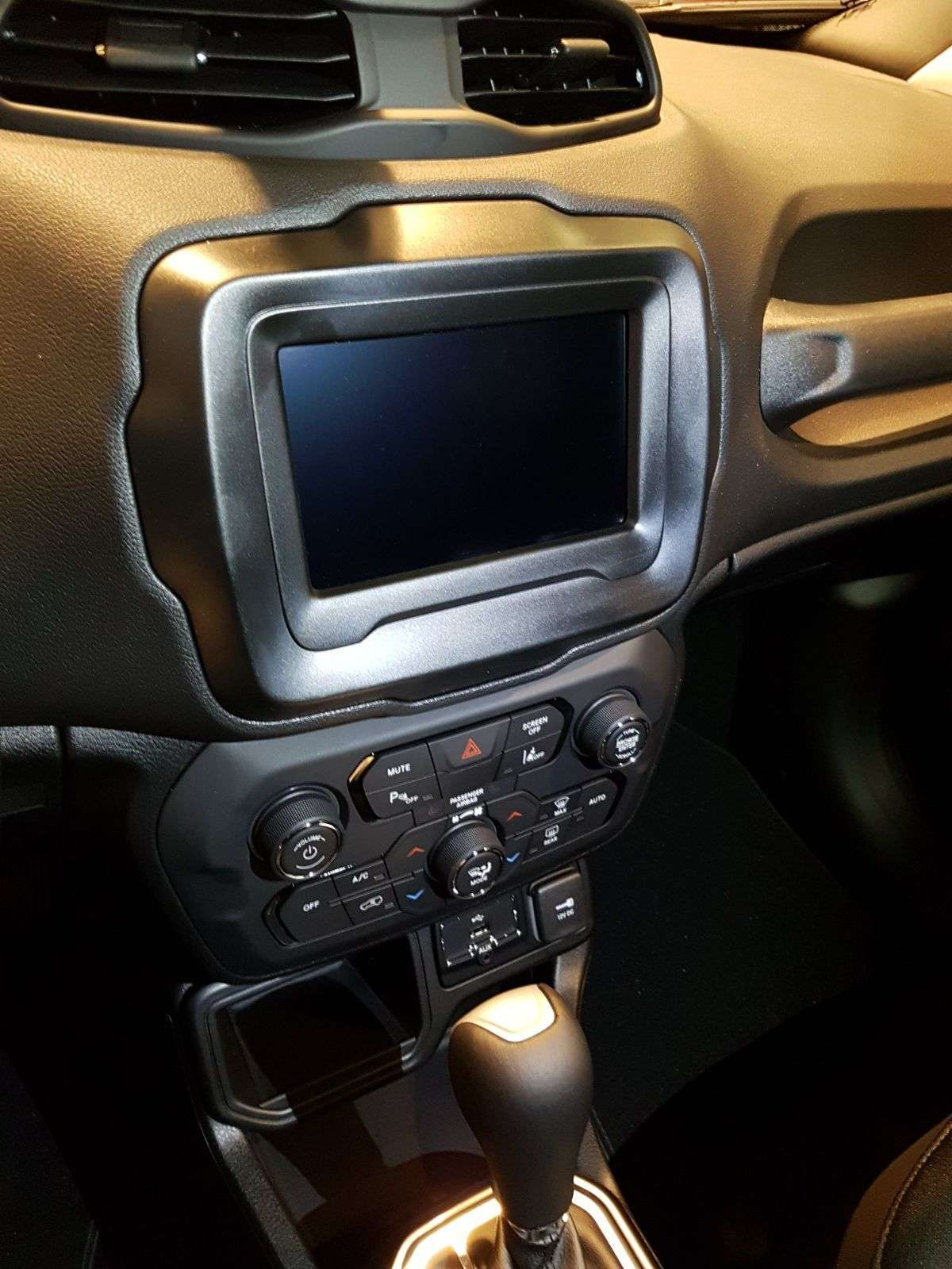 Infotainment Jeep Renegade restyling