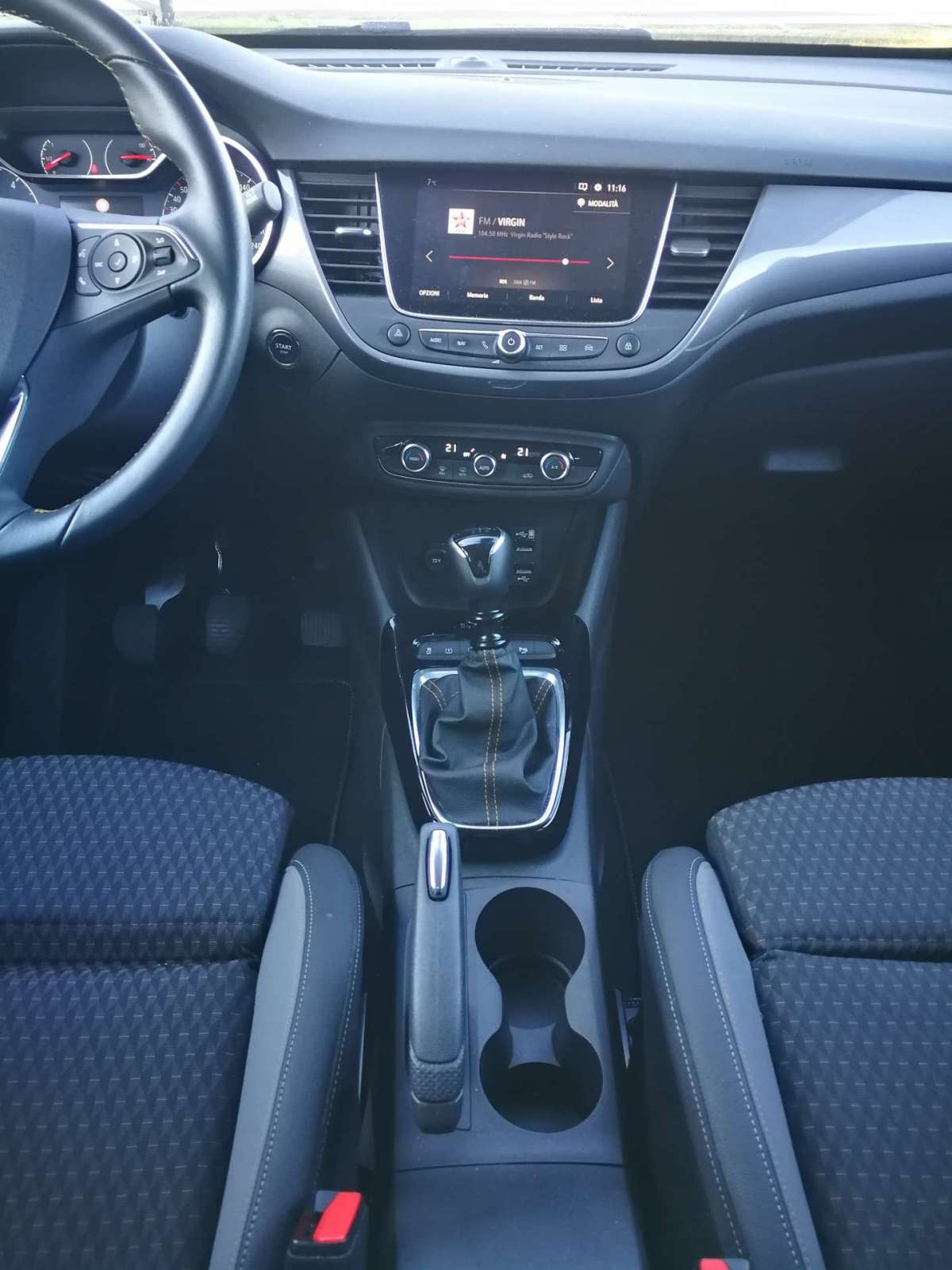 Opel Crossland X 2018 consolle centrale