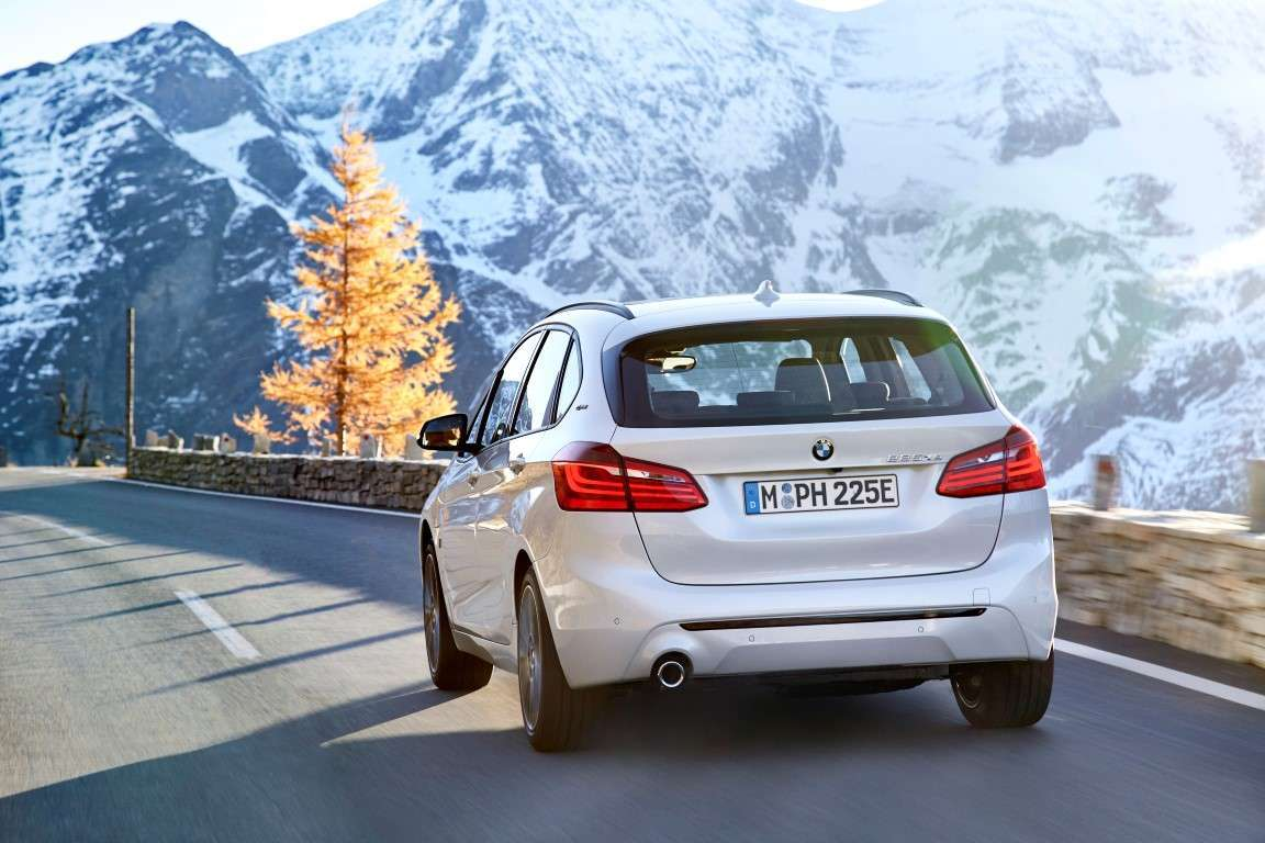 BMW Serie 2 Active Tourer ibrida plug-ing