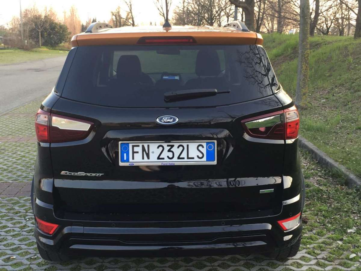 Ford EcoSport ST Line, posteriore