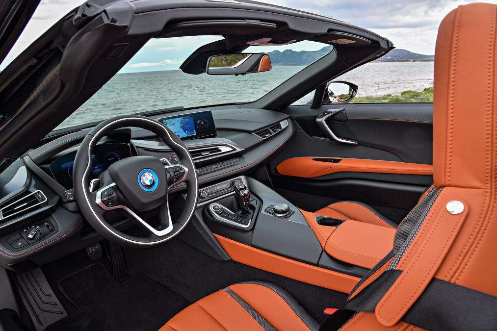 Interni BMW i8 Roadster 2019