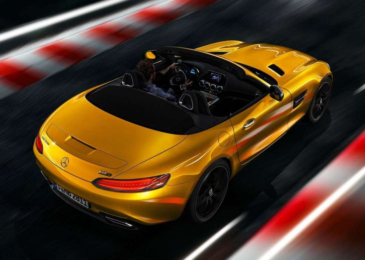 Mercedes AMG GT S Roadster dall'alto