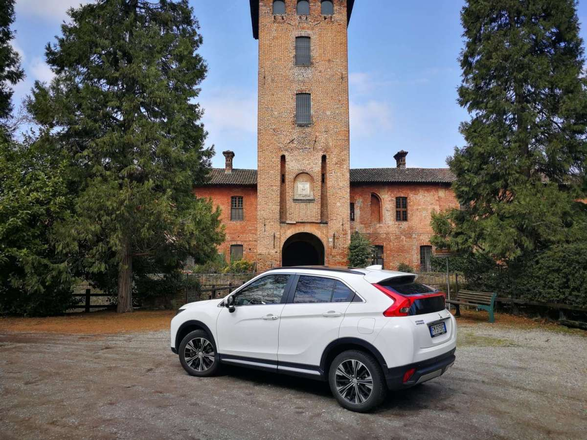 Mitsubishi Eclipse Cross tre quarti posteriore