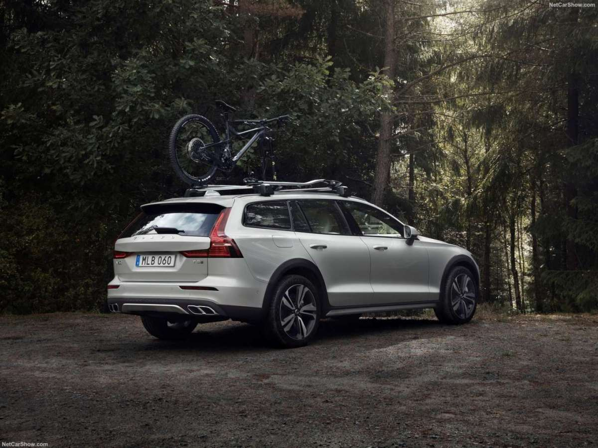 Volvo V60 Cross Country - Infotainment