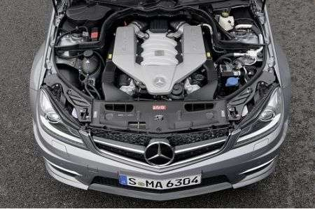 Mercedes C63 AMG restyling motore