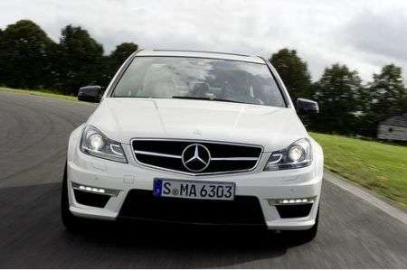 Mercedes C63 AMG restyling anteriore