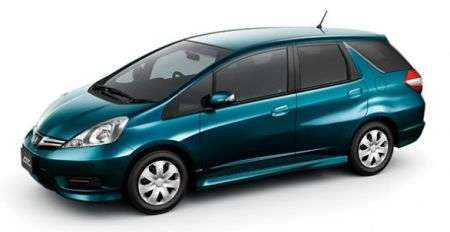 Honda Fit Shuttle Hybrid lato