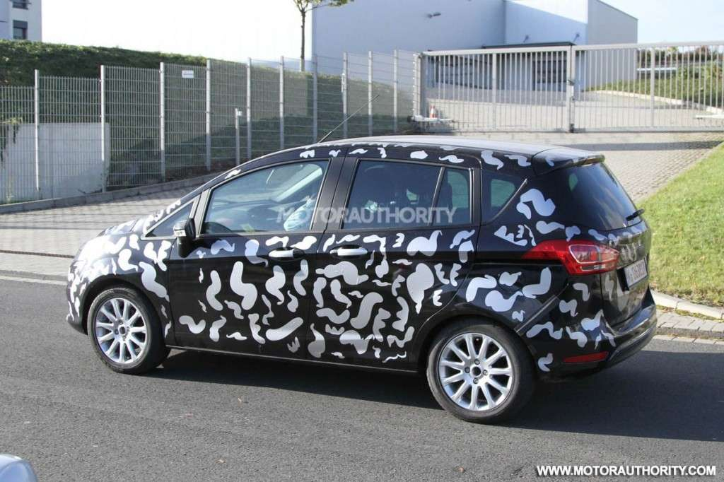 ford b-max - foto spia - laterale