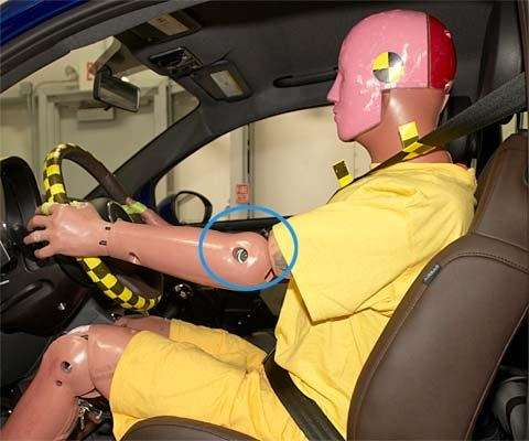 fiat 500 top safety pic iihs - manichino
