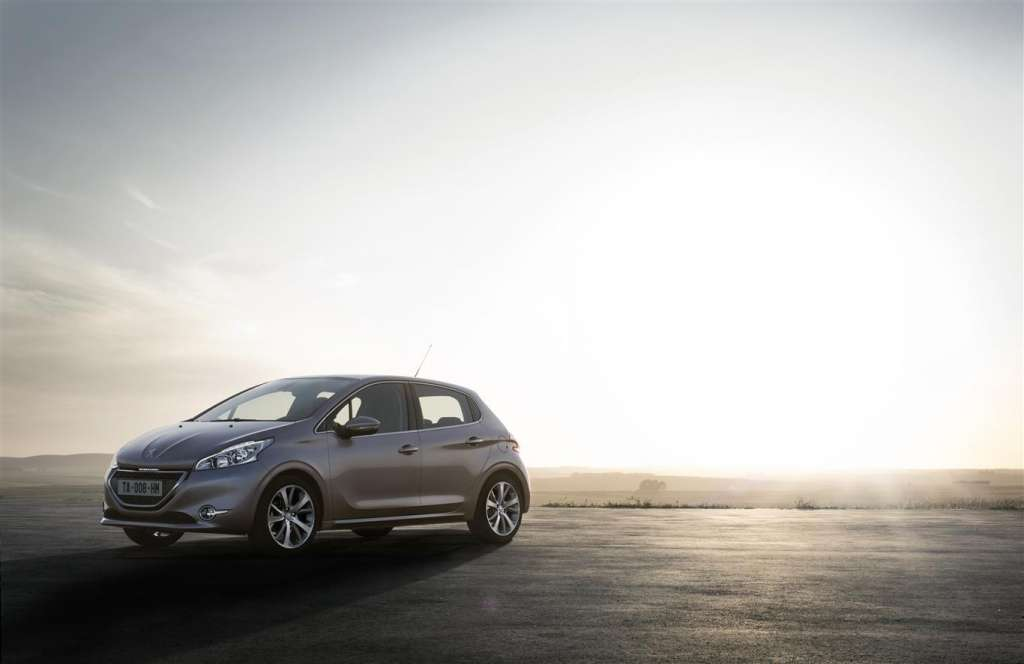 peugeot 208 2012 - frontale