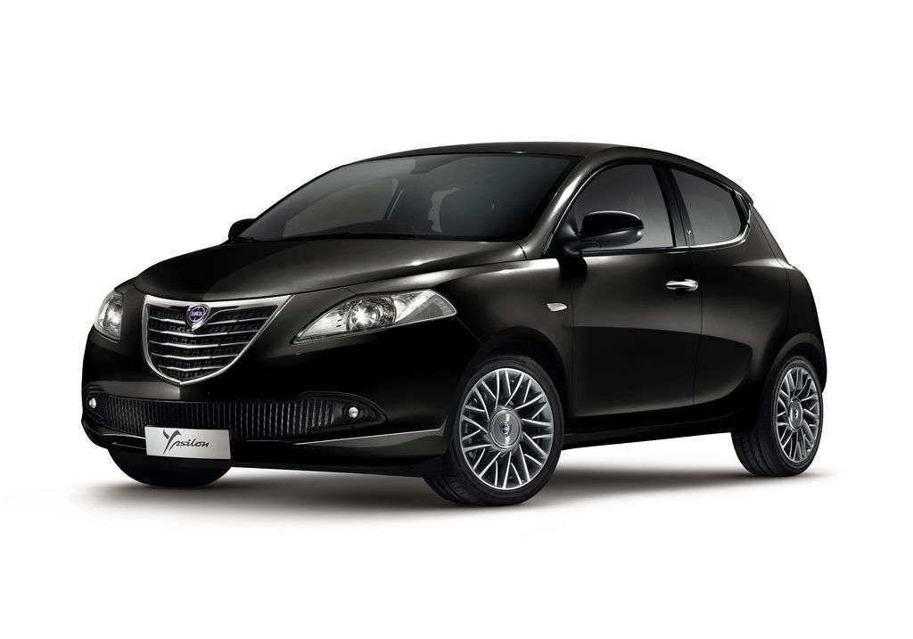 Lancia Ypsilon Black Red - nera