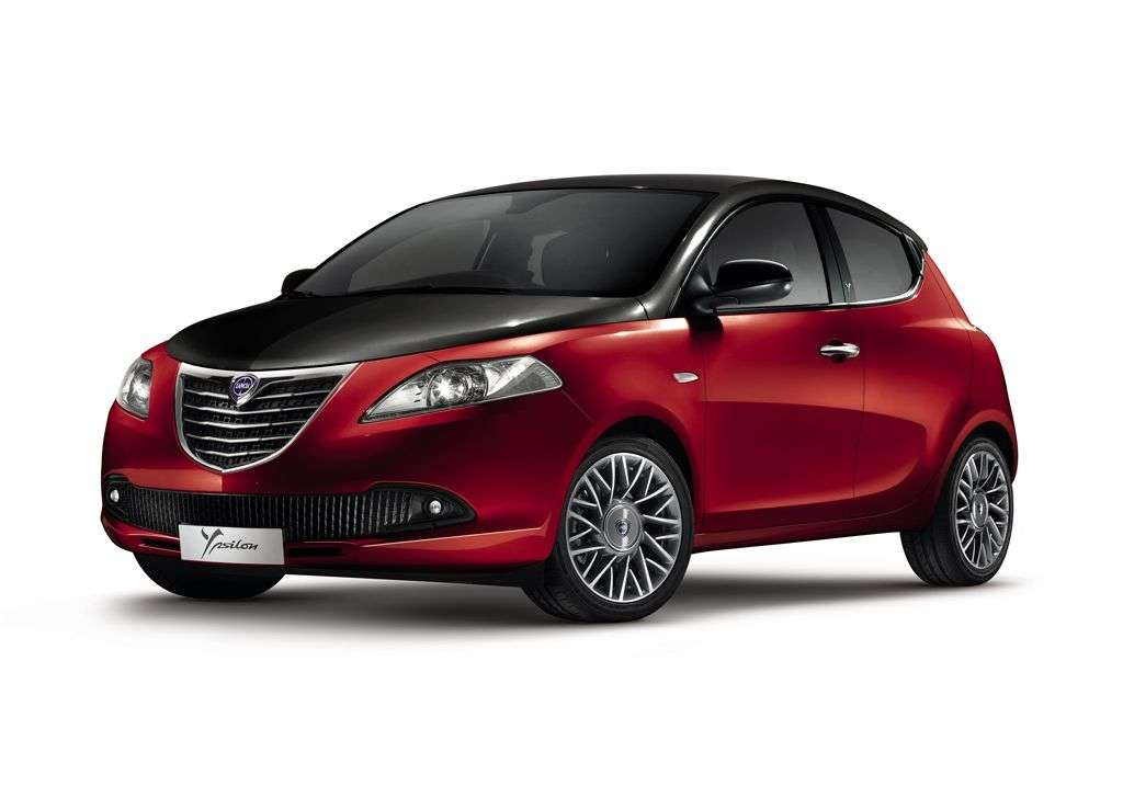 Lancia Ypsilon Black Red - rossa
