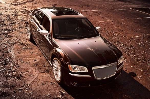 Anteriore della Chrysler 300 Luxury Series