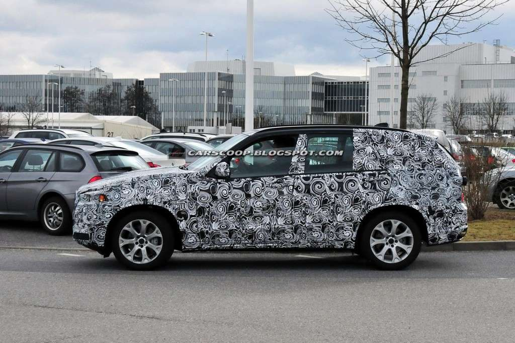 BMW X5 F15, laterale