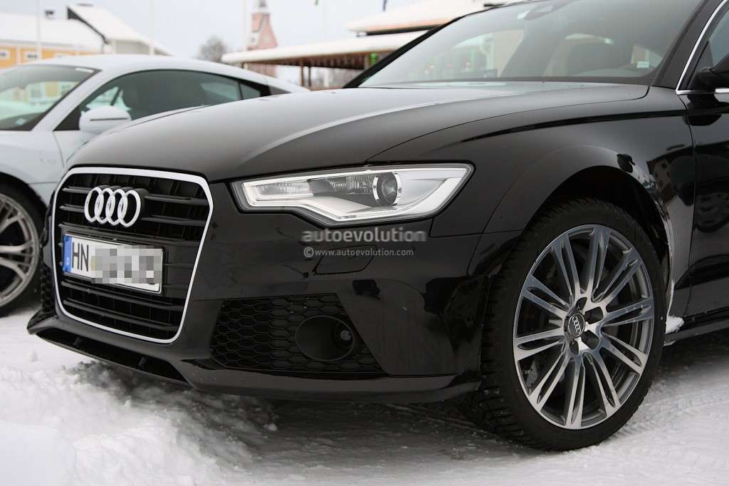 Audi RS6 foto spia, frontale