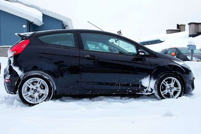 Ford Fiesta ST, laterale