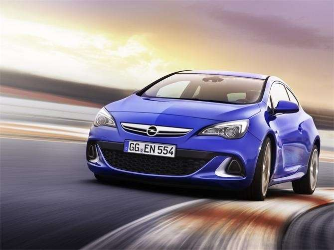 Opel Astra OPC, frontale