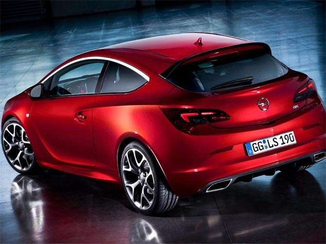Opel Astra OPC, posteriore