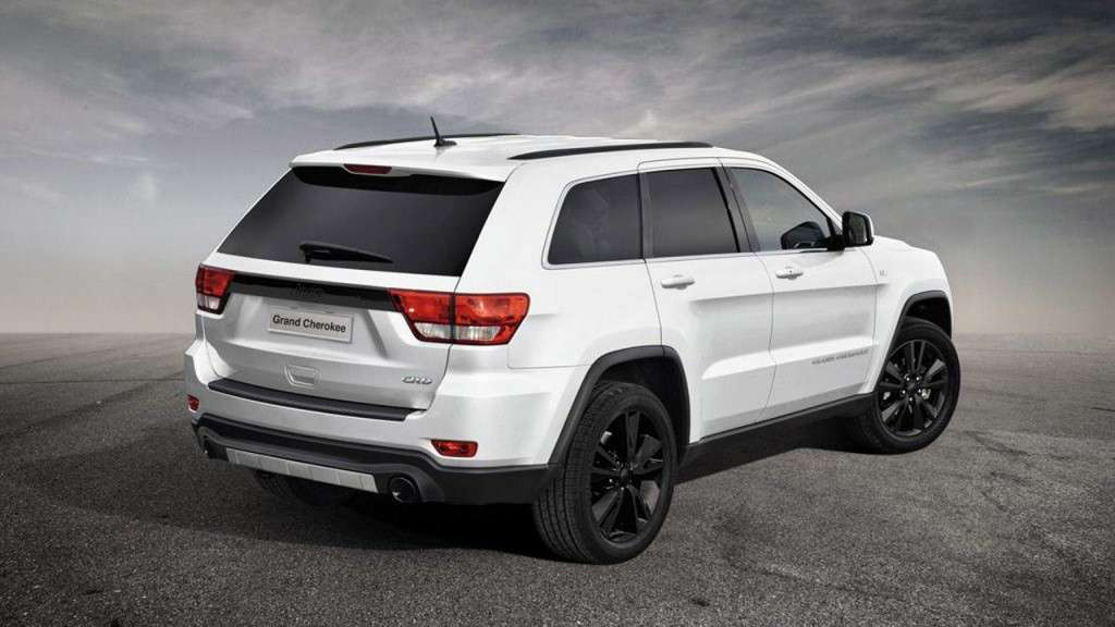 Jeep Grand Cherokee production-intent sports, posteriore