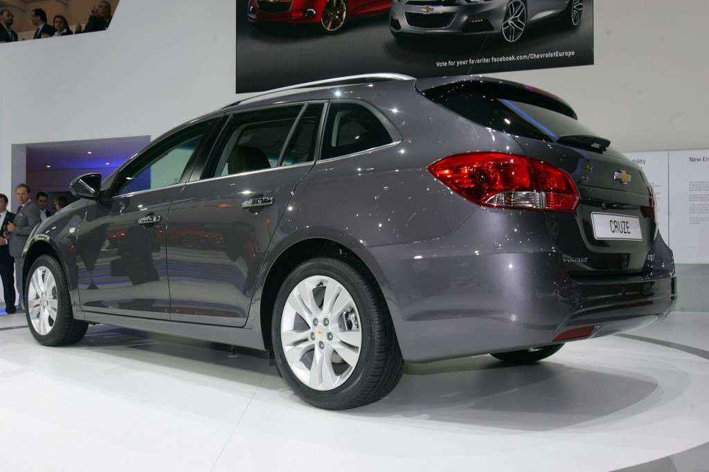 Retro della Chevrolet Cruze Station Wagon