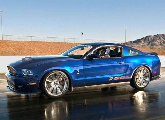 Ford Mustang Shelby 1000, fiancata