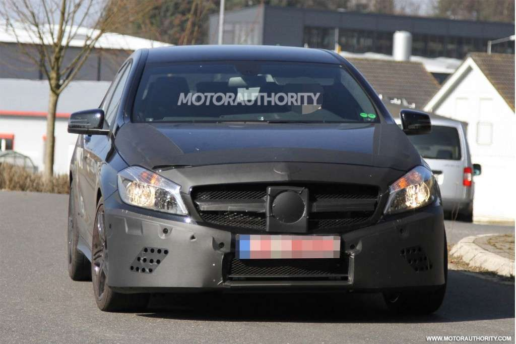 Mercedes-Benz A25 AMG il frontale