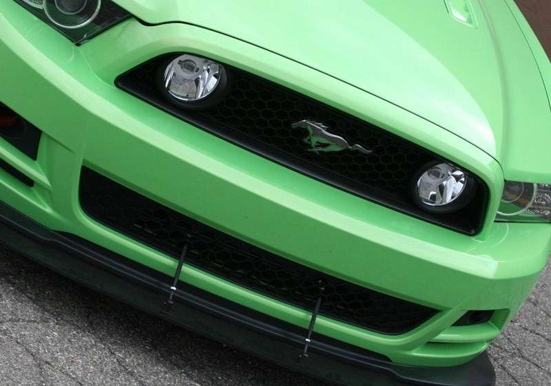 Ford Racing Mustang GT anteriore