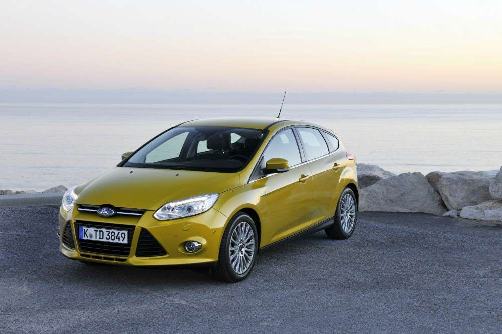 Ford Focus ECOnetic foto su strada (3)