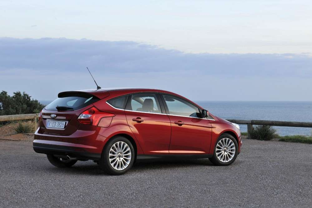 Ford Focus ECOnetic foto su strada (5)
