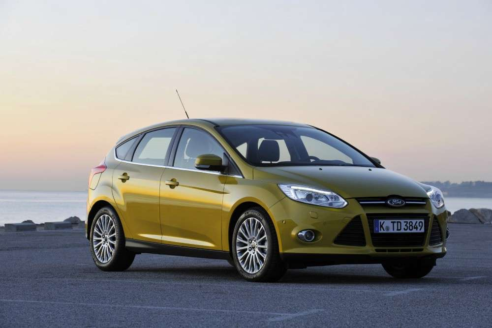 Ford Focus ECOnetic foto su strada (7)