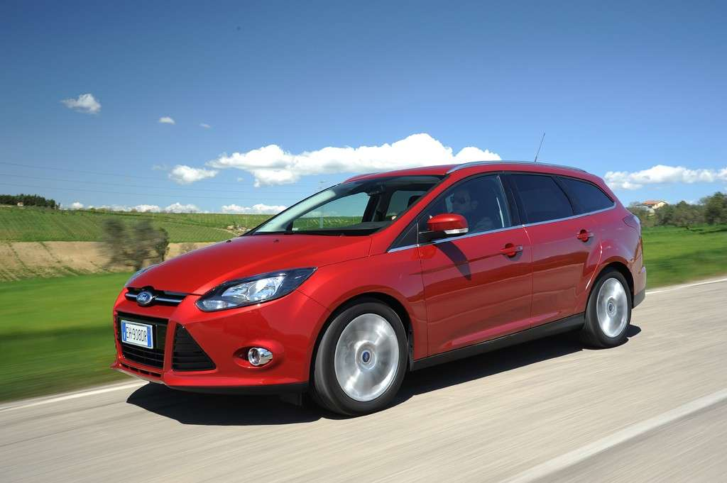 Ford Focus ECOnetic SW in movimento