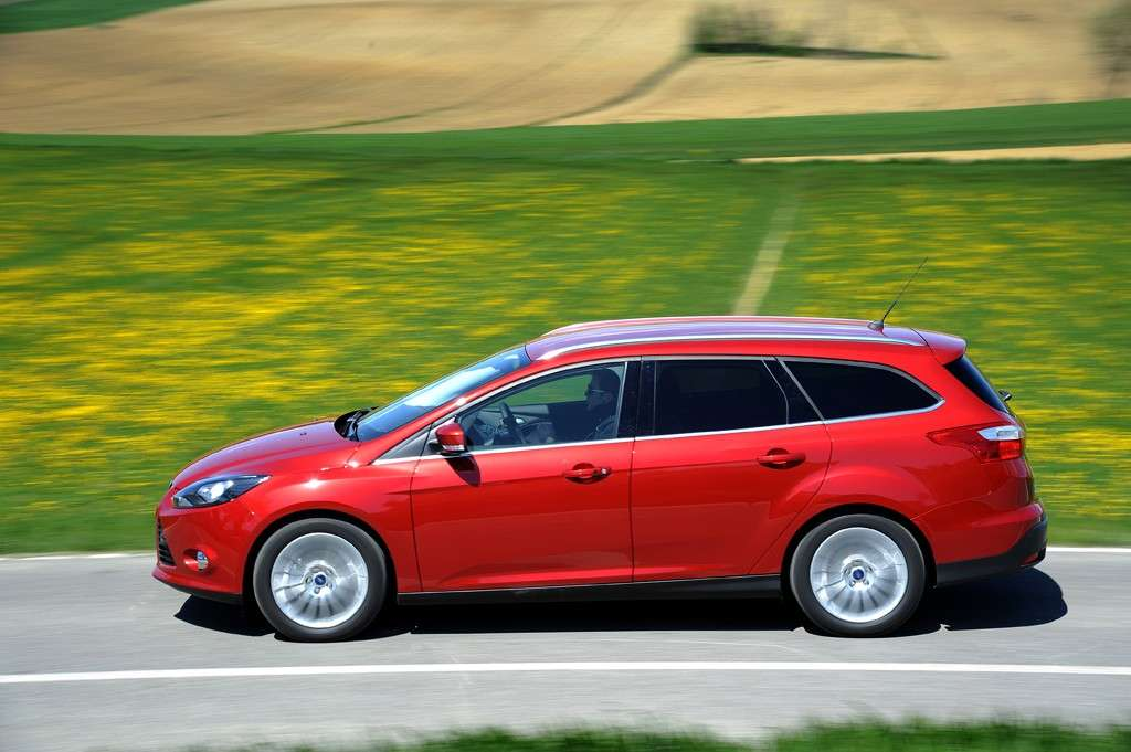 Ford Focus ECOnetic SW, laterale sinistra (2)