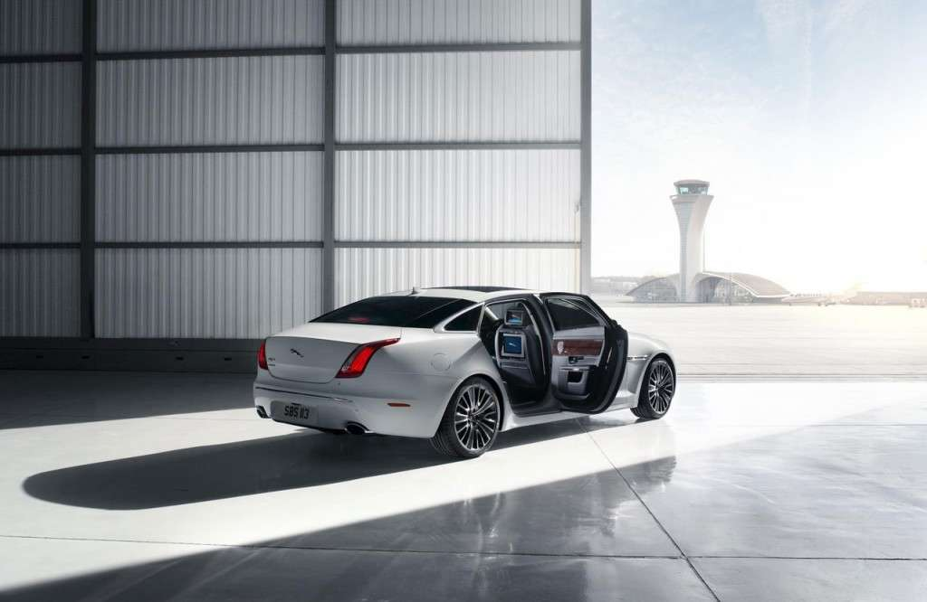 Jaguar XJ Ultimate - posteriore (2)