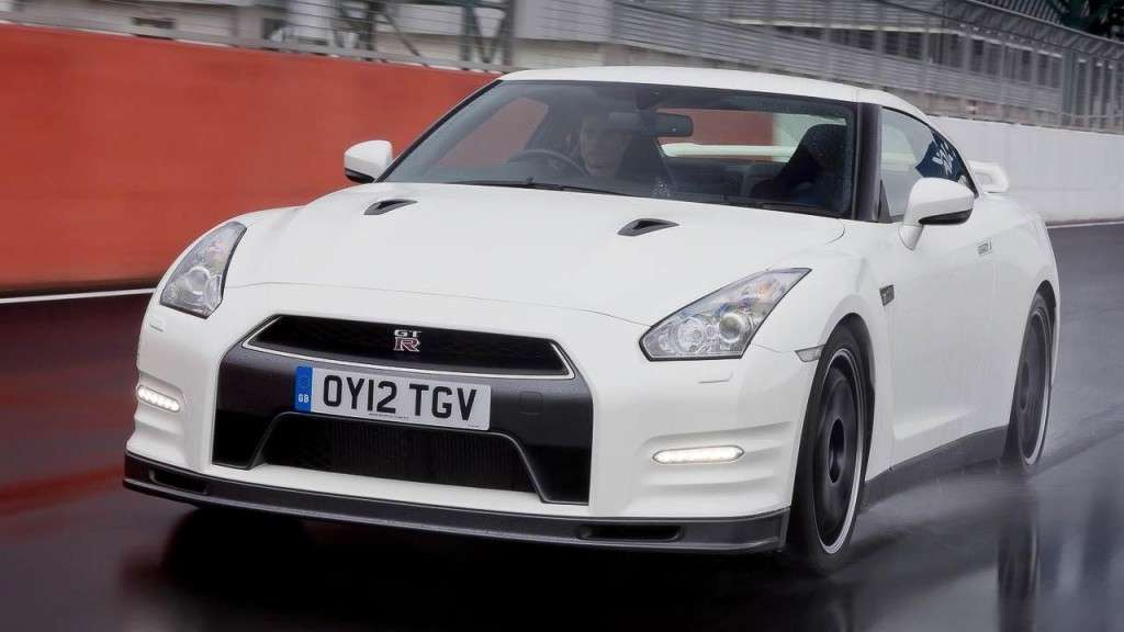 Nissan GT-R Track Pack frontale