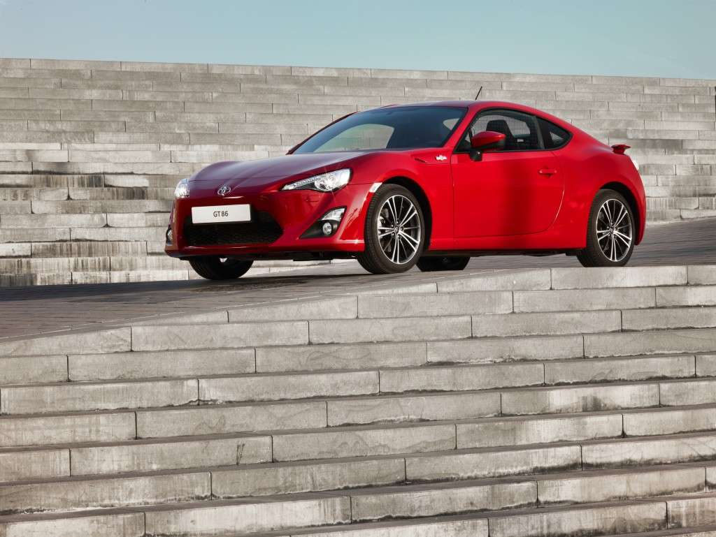 Toyota GT86 - laterale rossa (2)