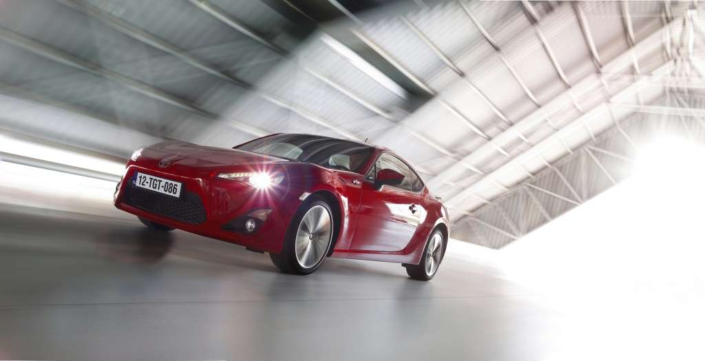 Toyota GT86 - frontale rossa (2)