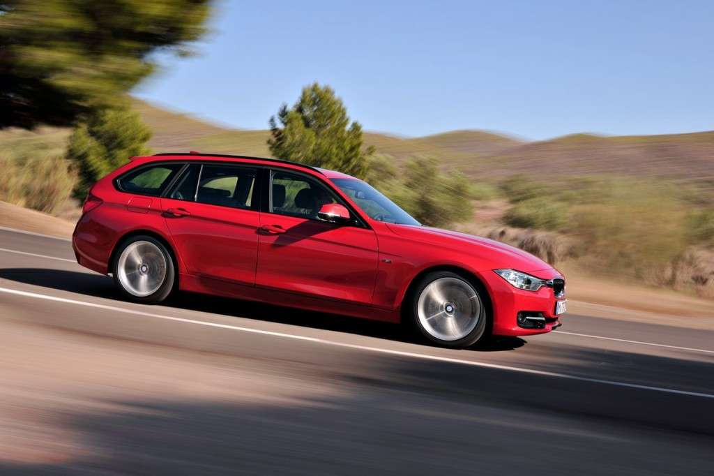 BMW Serie 3 Touring F31 - rossa laterale