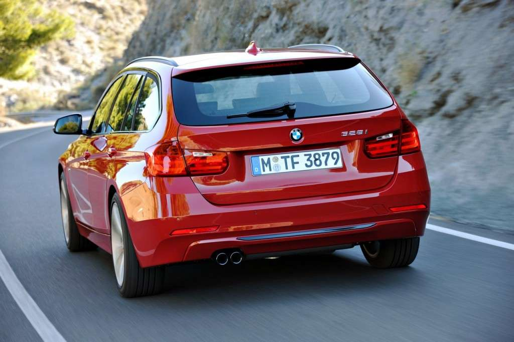 BMW Serie 3 Touring F31 - rossa posteriore