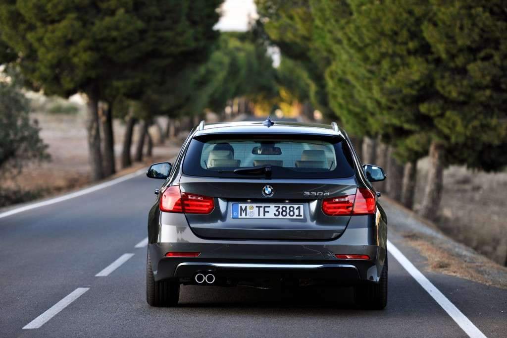 BMW Serie 3 Touring F31 - posteriore (3)