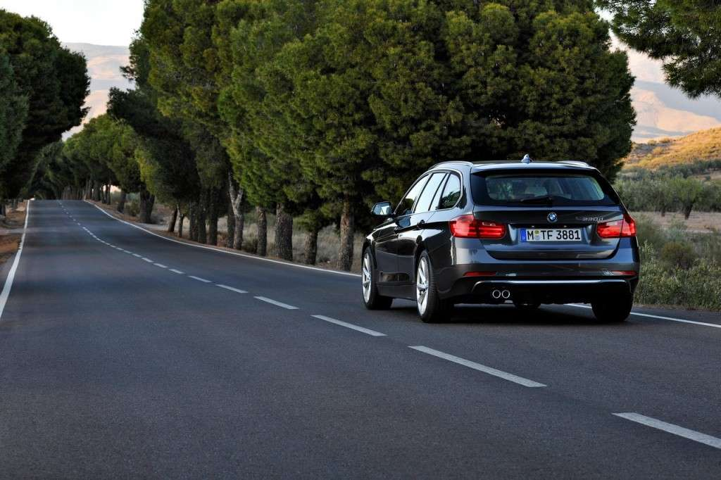 BMW Serie 3 Touring F31 - posteriore (5)