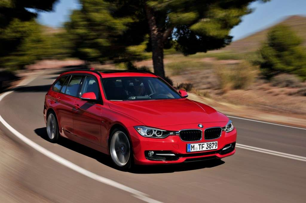 BMW Serie 3 Touring F31 - rossa frontale