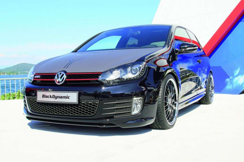 Volkswagen Golf GTI Black Dynamic vista frontale