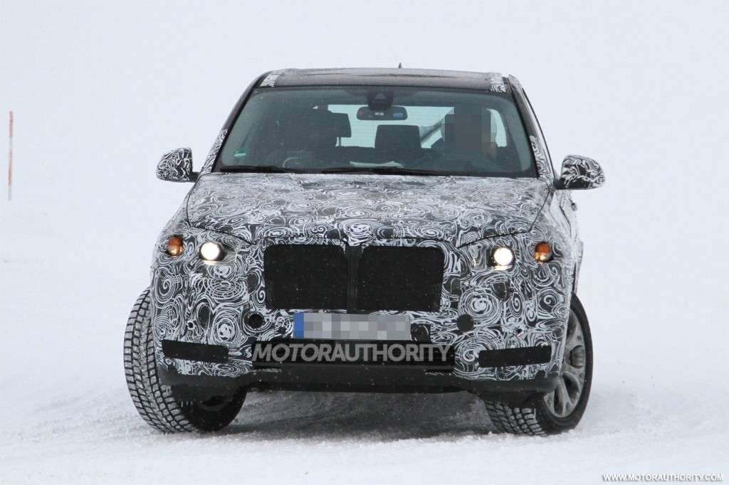 BMW X5 2014 - frontale sulla neve