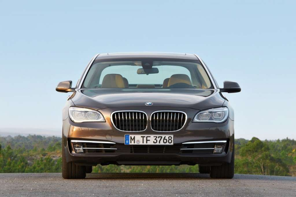 BMW Serie 7 2012 - frontale (3)
