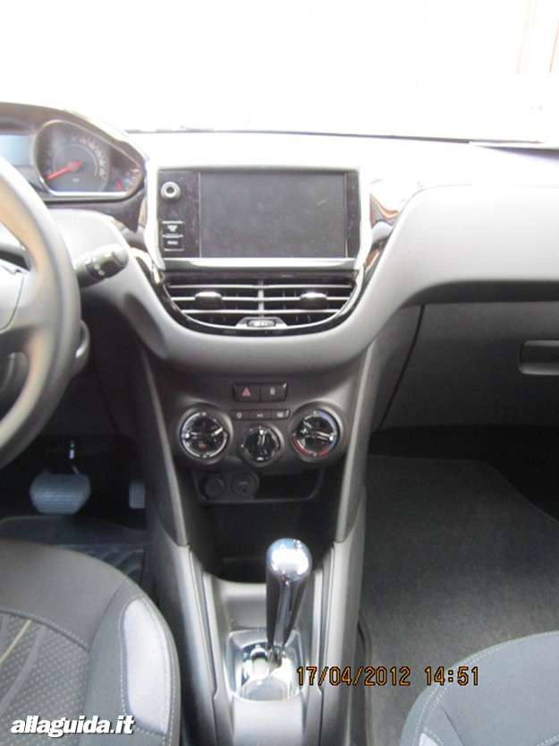 Peugeot 208, touch screen