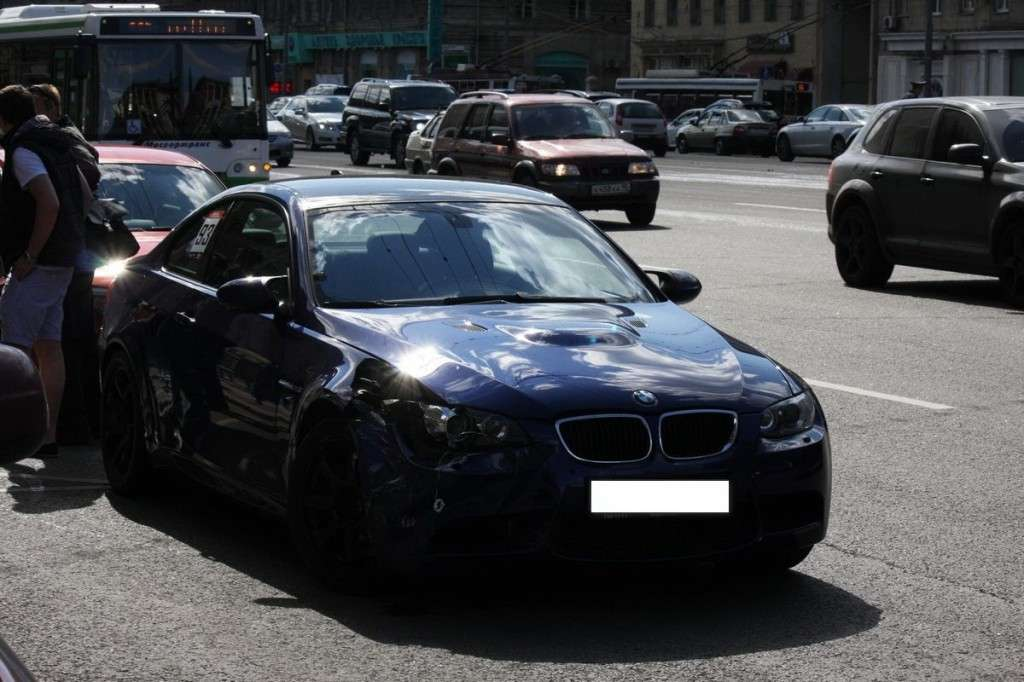 BMW M Club pericoloso incidente M3 e92