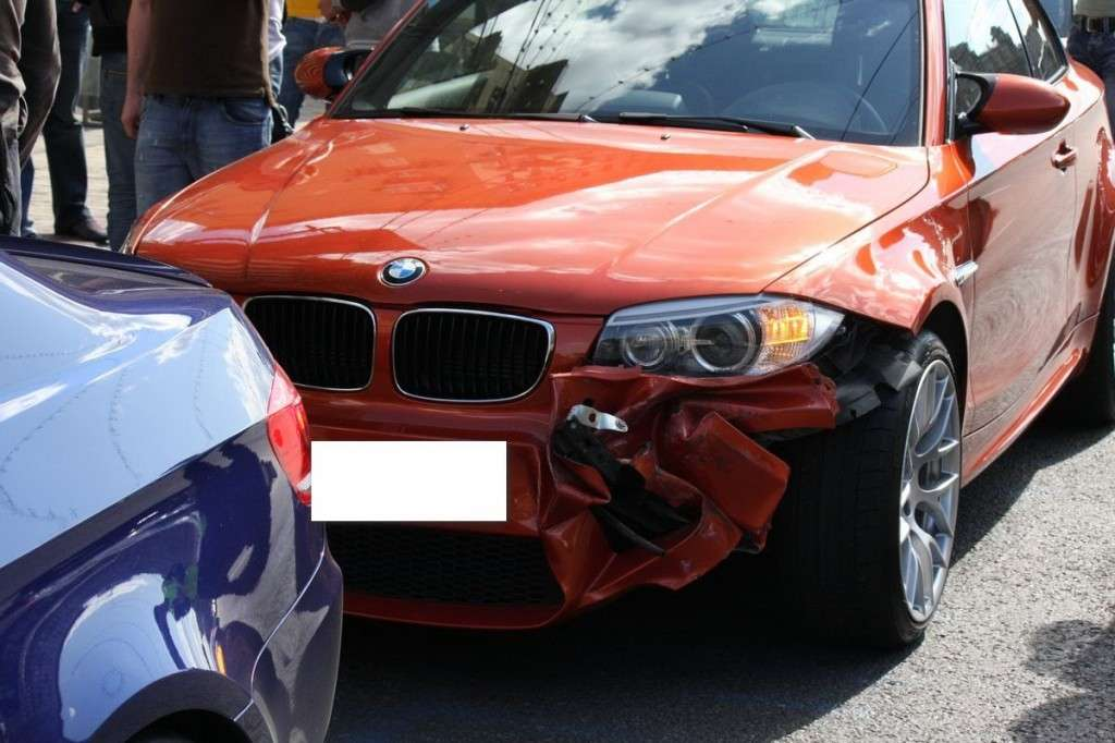 BMW M Club pericoloso incidente Serie 1 M Coupè